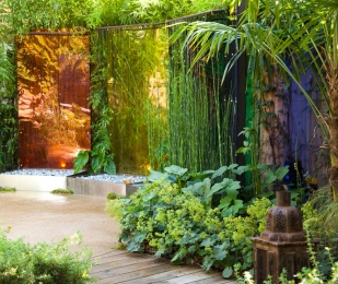 Coloured garden screens